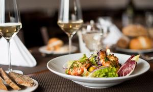 restaurant-food-salat-2-u410-fr